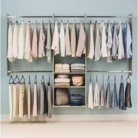57. O closet aberto é lindo como um elemento decorativo. Foto: Dicas Decor