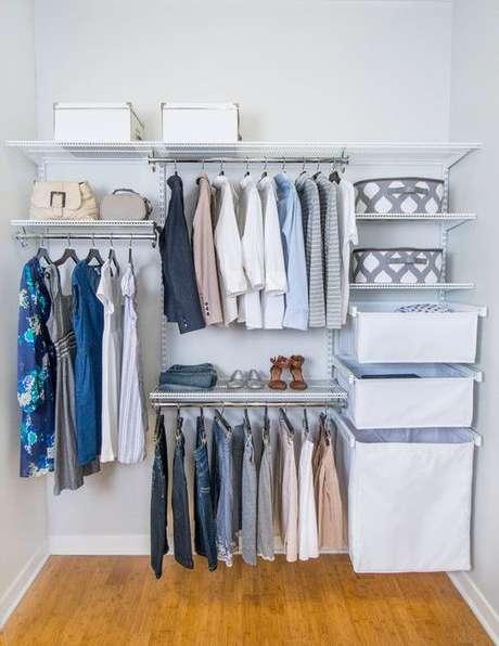 39. Você economiza muito mais com o closet aberto. Foto: Viva Decora