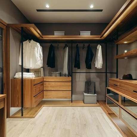 45. O closet aberto pode deixar seu cômodo muito interessante. Foto: Katy Did And Kid