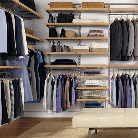 42. O closet aberto deve ser muito bem cuidado. Foto: Coastal Shows