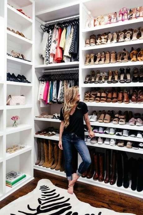9. O closet aberto é muito funcional. Foto: Bright On The Day