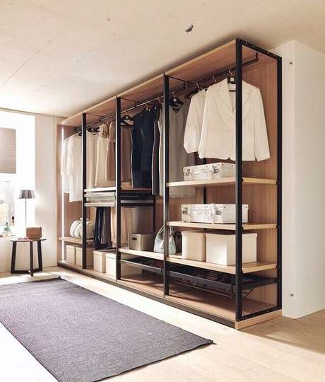 19. A estrutura do closet aberto deve ser muito resistente. Foto: Instagram