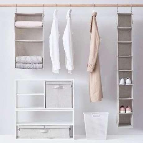60. Você pode usar seu closet aberto de muitas formas. Foto: Target
