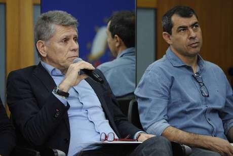 Paulo Autuori, executivo de futebol do Santos, e Fábio Carille, técnico do Corinthians, sentaram lado a lado (Foto: Rodrigo Corsi/FPF)