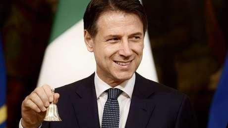 Giuseppe Conte reassumiu a cadeira de primeiro-ministro, apoiado pelo Movimento 5 Estrelas e pelo Partido Democrata - esse último de centro-esquerda
