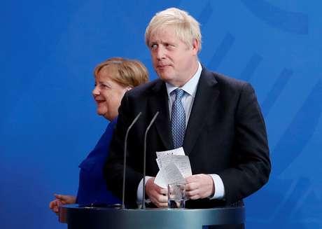 Johnson e Merkel dão entrevista coletiva em Berlim, em agosto 21/08/2019 REUTERS/Fabrizio Bensch