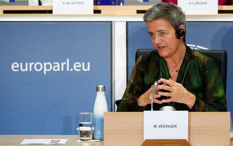 Comissária de defesa da concorrência da União Europeia, Margrethe Vestager, durante sessão do Parlamento Europeu em Bruxelas  08/10/2019 REUTERS/Francois Lenoir