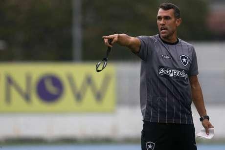 Lazaroni é o responsável pelo comando do Botafogo após a demissão de Barroca (Foto: Vitor Silva/Botafogo)