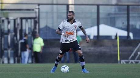 Castan levou o terceiro amarelo contra o Santos (Foto: Rafael Ribeiro/Vasco)