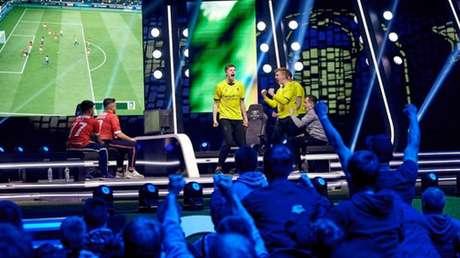 Competição na Holanda (Foto: eDivisie)