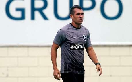 Interino já assumiu em 2018 e terá segunda chance, nesta quarta-feira (Foto: Vitor Silva/SSPress/Botafogo)