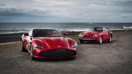 Dois Aston Martin, um atual e um clássico, foram apresentados nos EUA.