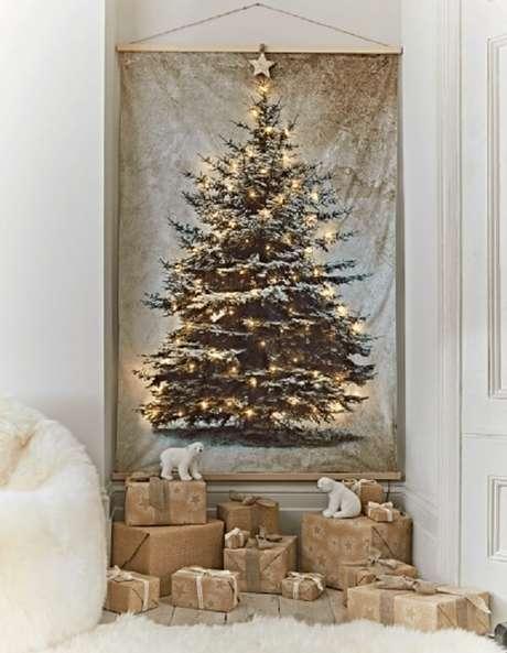 60. Árvore de Natal feita com painel iluminado. Fonte: Pinterest