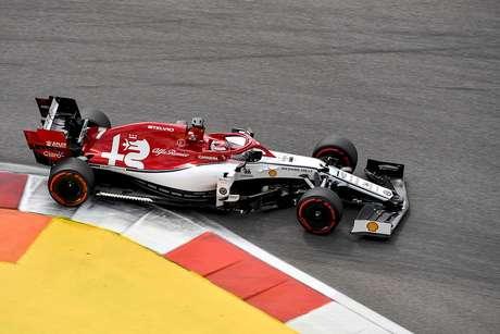 Alfa Romeo considera que tem chance realista de pontuar com os dois carros no GP do Japão