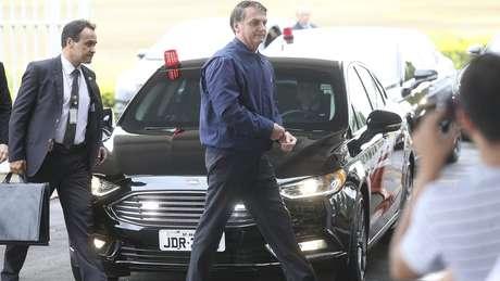 Bivar está 'queimado pra caramba', disse Bolsonaro a simpatizante na terça-feira