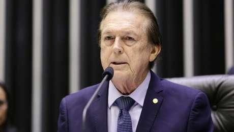 Bivar preside o PSL desde 1998 e seu mandato tem prazo para novembro deste ano