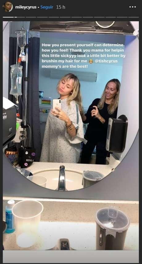 Story de Miley Cyrus no hospital.