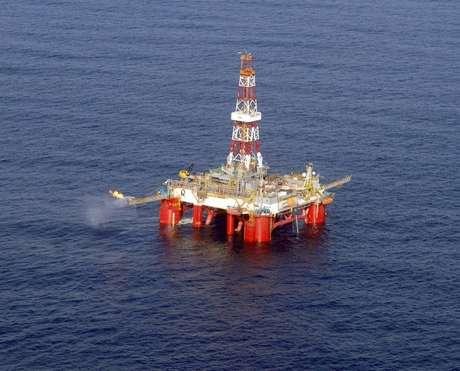 Plataforma SS-11 Atlantic Zephyr extrai o primeiro óleo das áreas de Tiro e Sidon, na Bacia de Santos