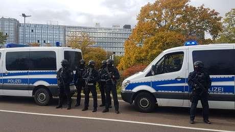 Policiais protegem área em cidade alemã de Halle 09/10/2019 REUTERS/Marvin Gaul