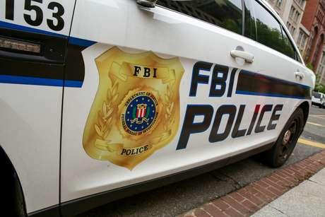 Veículo do FBI do lado de fora de edifício do órgão em Washington 18/04/2019 REUTERS/Amr Alfiky