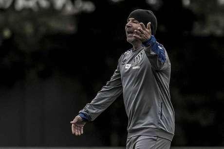 Sampaoli se preocupa com desgaste físico no Santos (Ivan Storti/SFC)