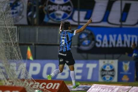 Geromel abriu o placar para o Grêmio na vitória contra o CSA (Foto: Lucas Uebel/Grêmio)