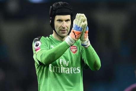 Cech se aposentou ao fim da última temporada (Foto: OLI SCARFF/AFP)