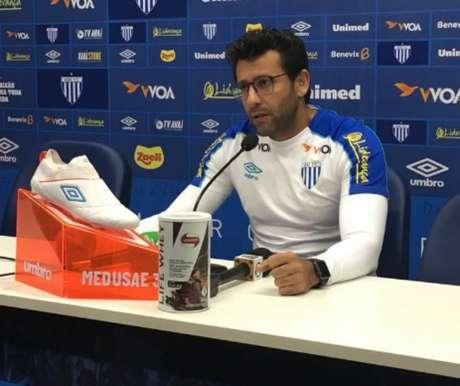 Alberto Valentim vai comandar o Avaí contra o Vasco nesta quinta-feira (Foto: André Palma/Avaí)