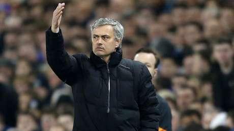Mourinho pode voltar para a Inglaterra (Foto: AFP)