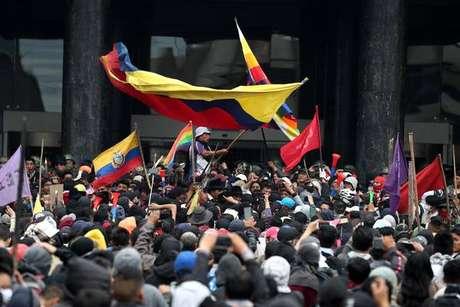 Invasão de indígenas à Assembleia Nacional, em Quito