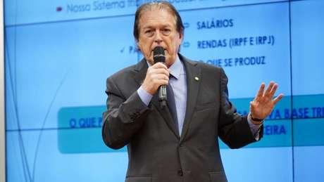 'Aquele ataque, eu não sei porque ele fez aquilo', disse Bivar sobre Bolsonaro à BBC News Brasil
