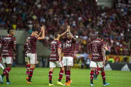 Vitinho voltou a fazer uma boa atuação, com um gol e duas assistências (Foto: Marcelo Cortes/CRF)