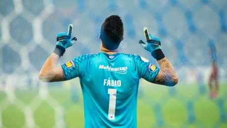 Fábio usa sua experiência e fé para encorajar o time para sair deste mau momento - (Bruno Haddad/Cruzeiro)