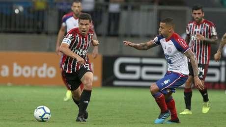 Hernanes durante Bahia x São Paulo (Rubens Chiri / saopaulofc.net)