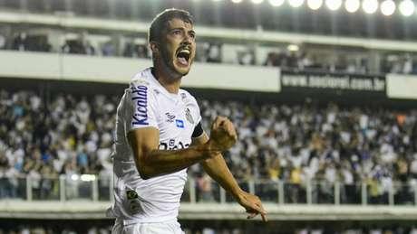 Gustavo Henrique comemora o primeiro gol da noite desta quarta-feira (Foto: Richard Callis/Fotoarena/Lancepress!)