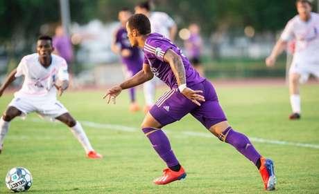 Leo Simas em ação pelo time norte-americano (Divulgação)