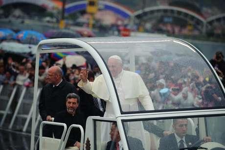 O papa Francisco celebrou uma concorrida missa no Santuário Nacional de Aparecida em 2013