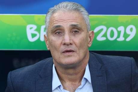 Técnico Tite durante a partida entre Brasil e Peru, válida pela final da Copa América 2019, no Estádio do Maracanã no Rio de Janeiro (RJ)