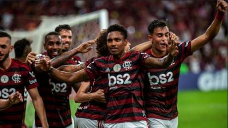 Vitinho brilha em vitória do Flamengo (Foto: Marcelo Cortes / Flamengo)