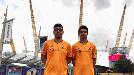 Dupla brasileira renovou com o Wolverhampton para a próxima temporada (Foto:Divulgação)