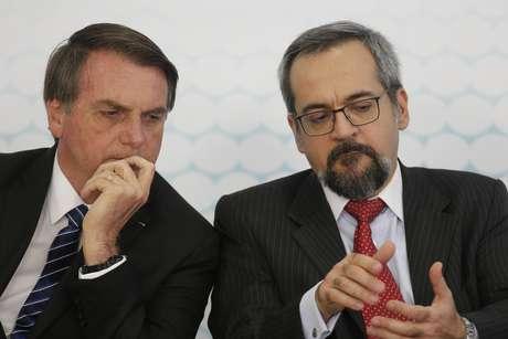 Jair Bolsonaro e Abraham Weintraub, ministro da Educação.