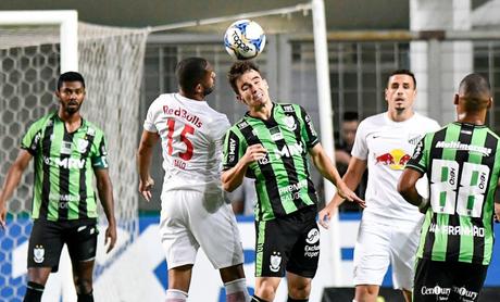O América-MG bateu o Bragantino por 2 a 0 (Foto: Reprodução/Twitter)