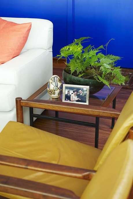 10. A mesa de canto para sala pode ter diferentes designs. Projeto de Buji Decoração Reuso