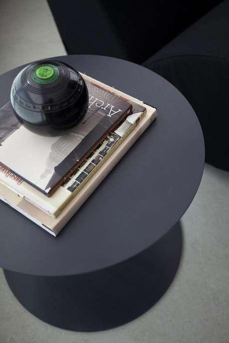 3. A mesa de canto para sala de jantar deve ser mais simples. Projeto de Marcelo Rosset Arquitetura