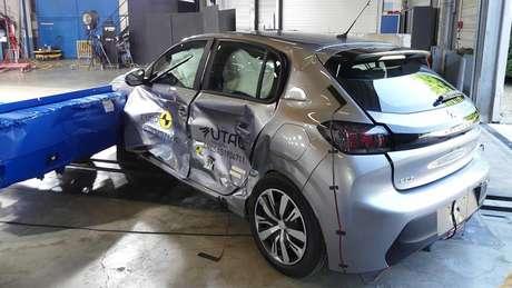Teste do impacto do Euro NCAP no Peugeot 208.