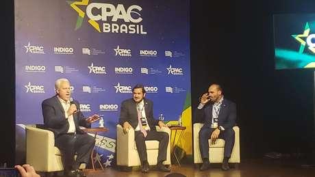 Matt Schlapp, Antônio de Rueda e Eduardo Bolsonaro; o americano afirmou que o que está sendo feito no Brasil 'dá esperança'