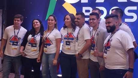 Membros do movimento Direita Minas, elogiado por Eduardo Bolsonaro como exemplo de mobilização