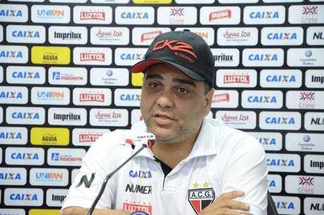 Marcelo Cabo, novo técnico do CRB