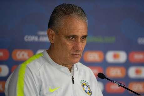 Adenor não vive bom momento no comando da equipe (Pedro Martins/MoWA Press)