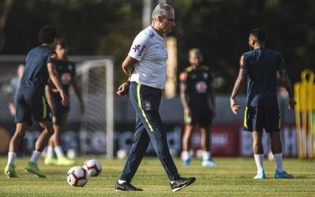 Seleção não vive boa fase (Foto: Pedro Martins / MoWA Press)